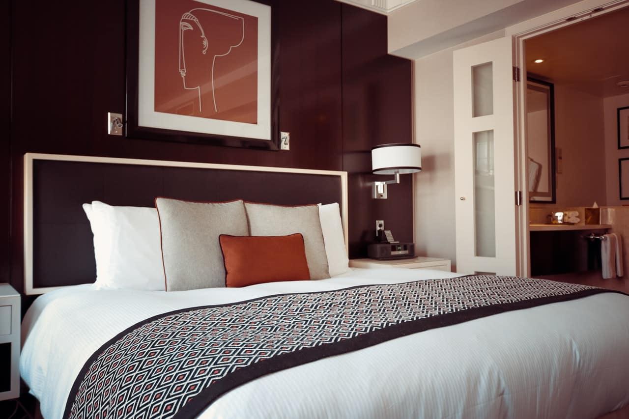 ¿Cómo un generador de ozono industrial ayuda a prevenir enfermedades en los hoteles?
